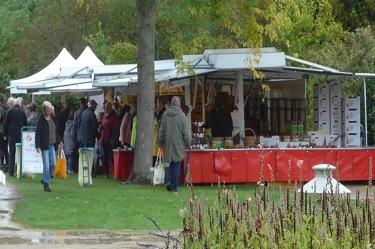 Park der Gärten, Apfeltag am 3. Oktober, Marktstand
